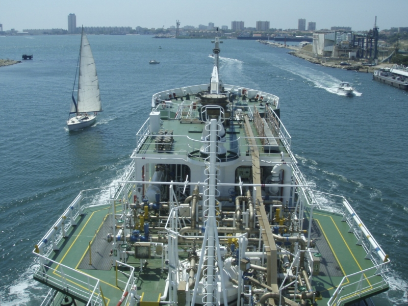 Photo-pilote-trafic-portuaire_800x600_acf_cropped