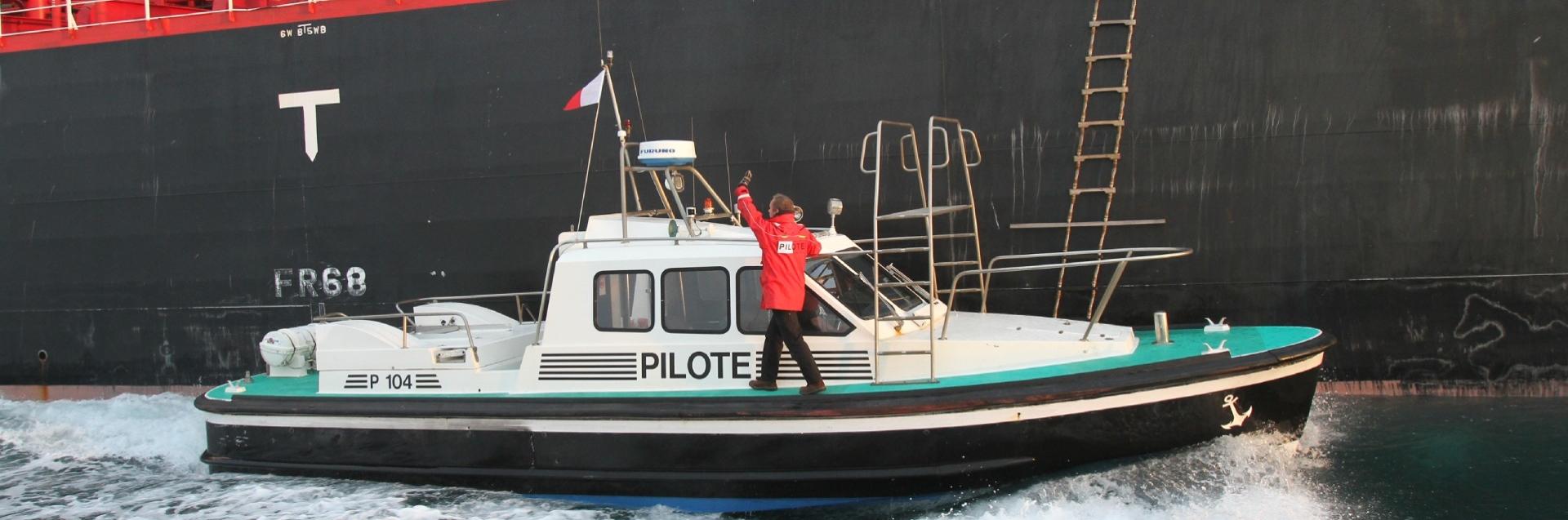 Pilote-et-pilotine_1920x637_acf_cropped